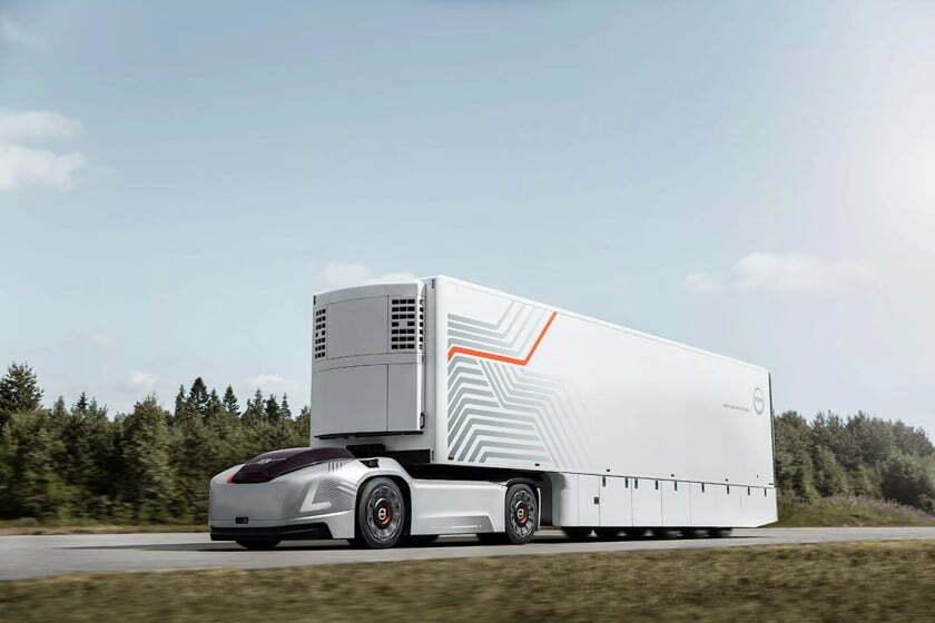 Volvo önvezető kamionjából