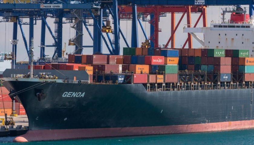 port shipping cargo