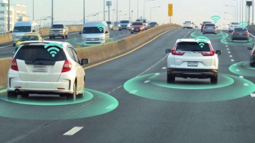 Az önvezető autók egy évtizeden belül lepipálnak minket?